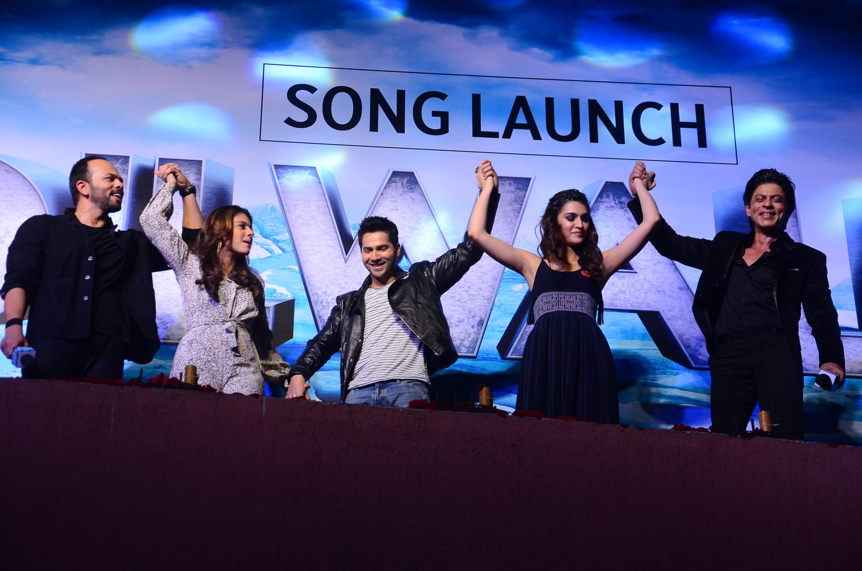 Shah Rukh Khan and Kajol at Song Launch of Film Dilwale in Mumbai-50