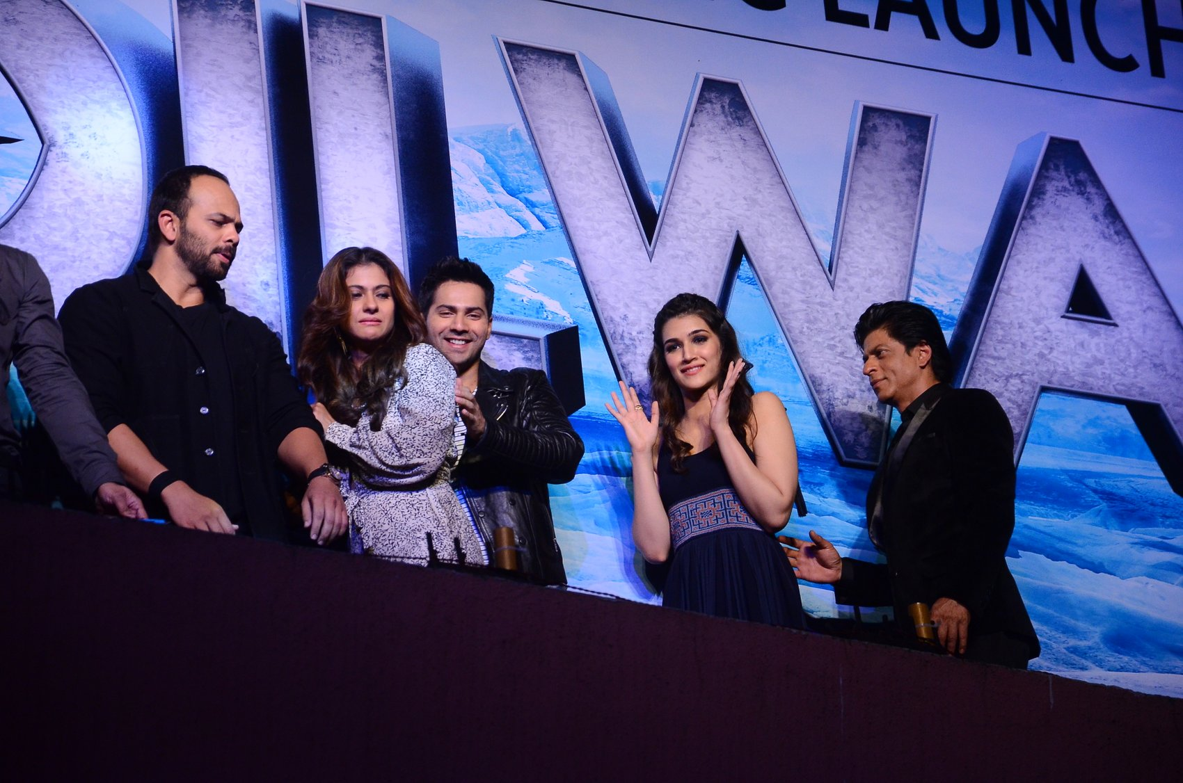 Shah Rukh Khan and Kajol at Song Launch of Film Dilwale in Mumbai-54