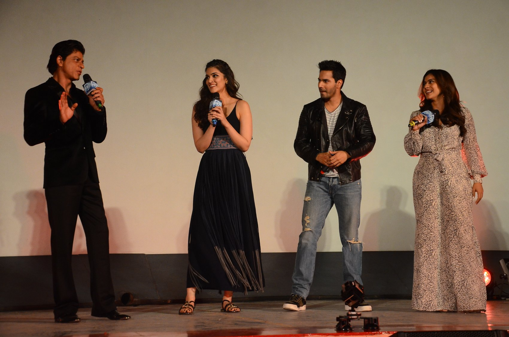 Shah Rukh Khan and Kajol at Song Launch of Film Dilwale in Mumbai-57