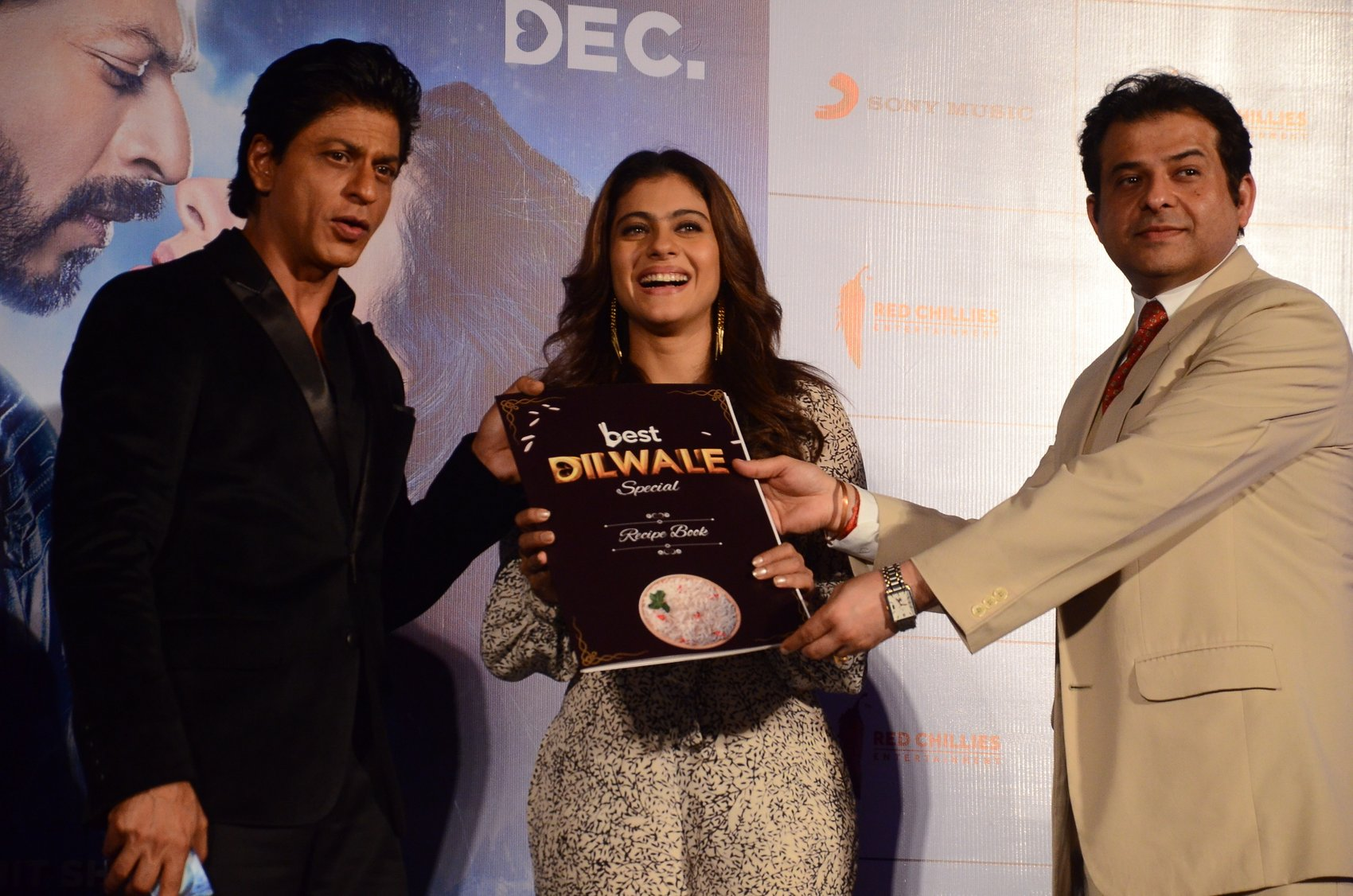 Shah Rukh Khan and Kajol at Song Launch of Film Dilwale in Mumbai-64