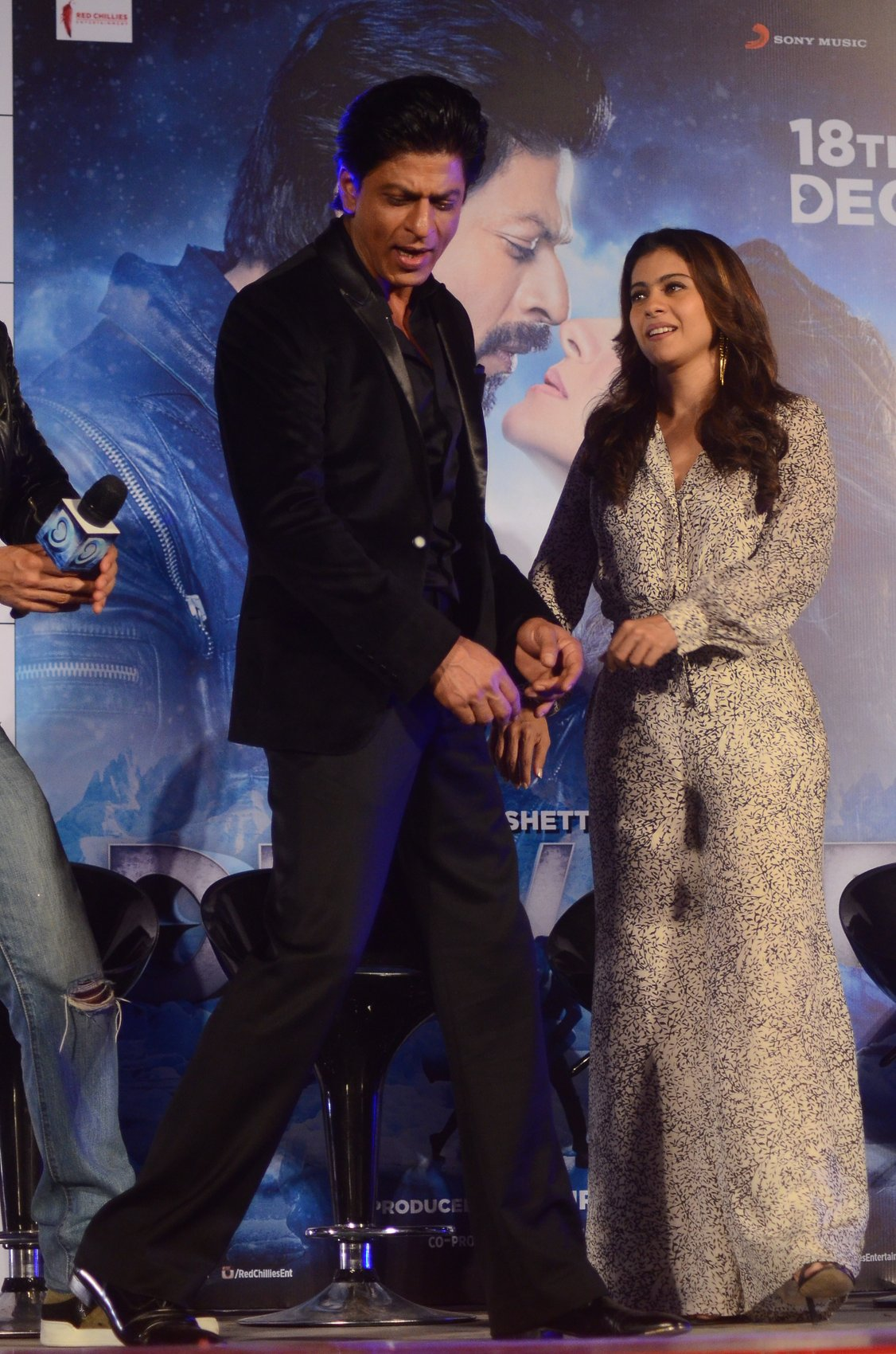 Shah Rukh Khan and Kajol at Song Launch of Film Dilwale in Mumbai-65