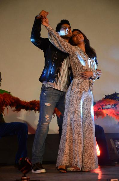 Shah Rukh Khan and Kajol at Song Launch of Film Dilwale in Mumbai-82