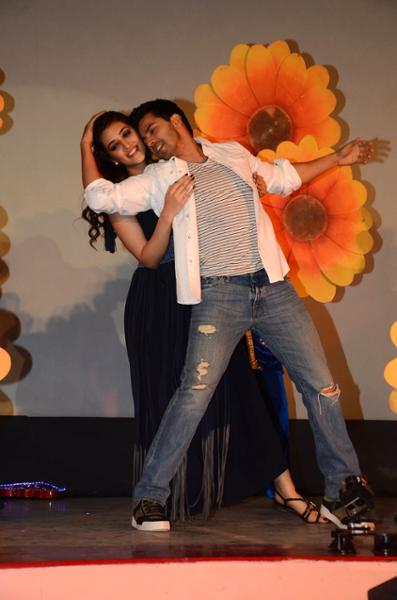 Shah Rukh Khan and Kajol at Song Launch of Film Dilwale in Mumbai-86