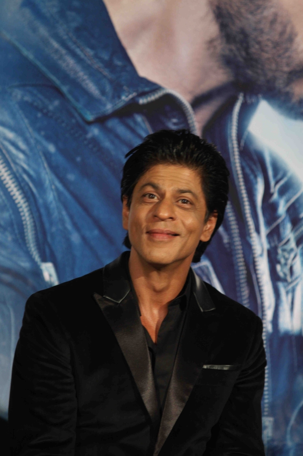 Shah Rukh Khan and Kajol at Song Launch of Film Dilwale in Mumbai