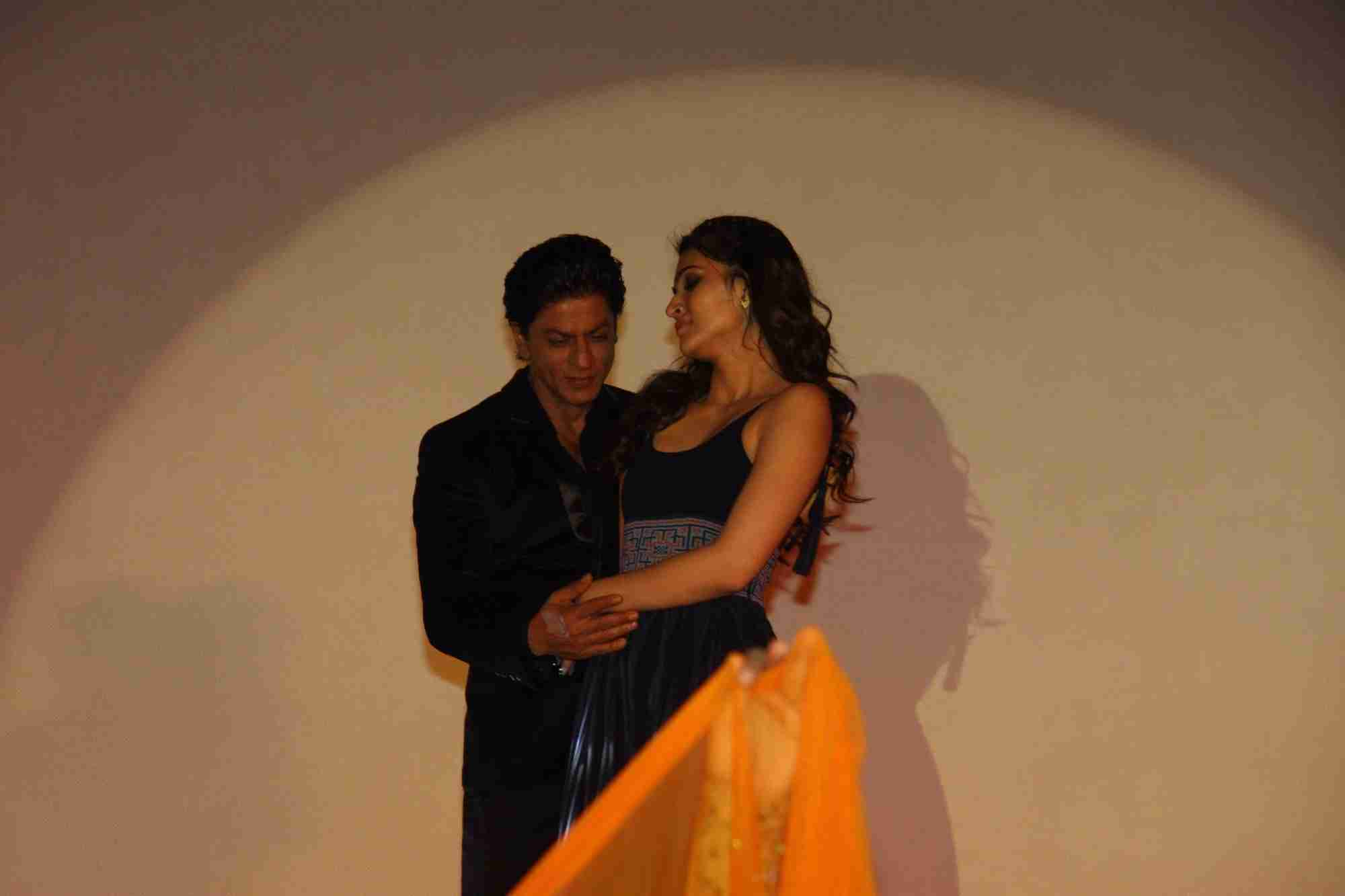 Shah Rukh Khan and Kajol at Song Launch of Film Dilwale in Mumbai-98