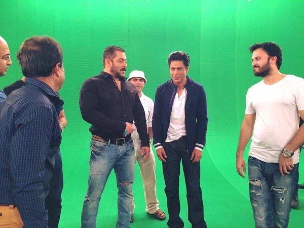 Shah Rukh Khan and Salman at Mehboob Studio-02