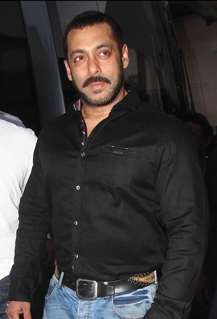 Shah Rukh Khan and Salman at Mehboob Studio-08