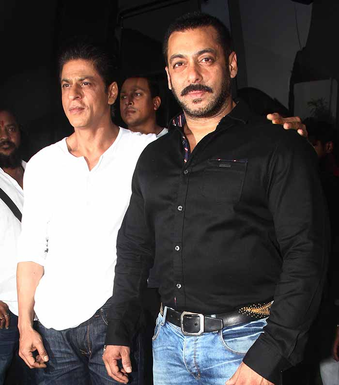 Shah Rukh Khan and Salman at Mehboob Studio-09