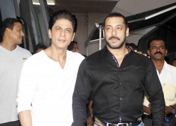 Shah Rukh Khan and Salman at Mehboob Studio-19