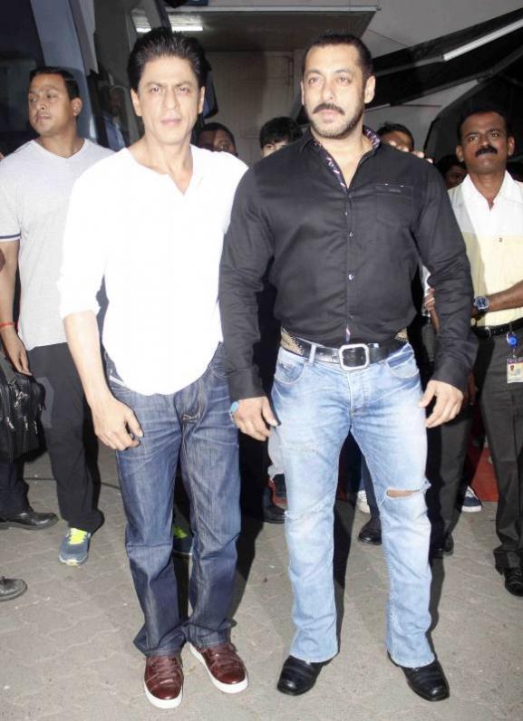 Shah Rukh Khan and Salman at Mehboob Studio-22