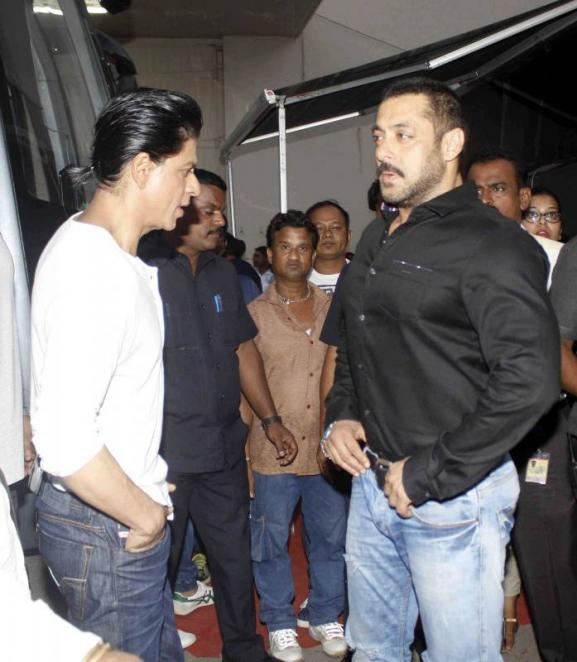 Shah Rukh Khan and Salman at Mehboob Studio-23