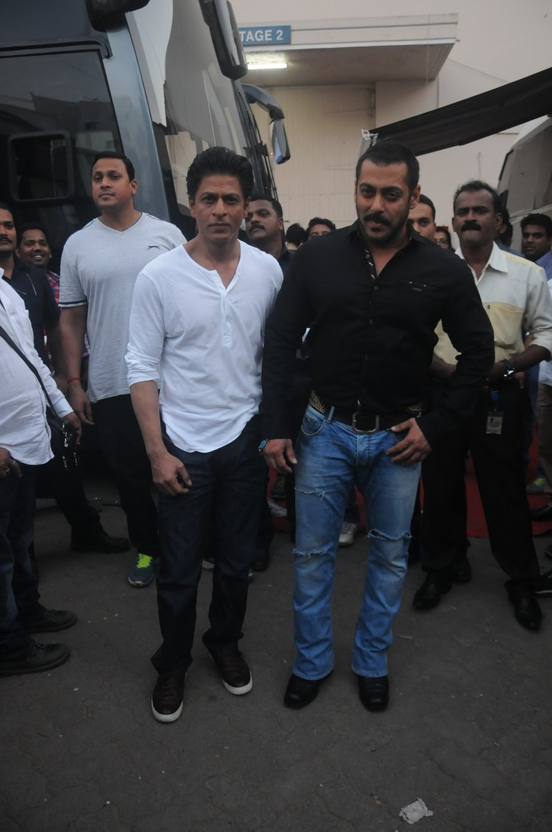 Shah Rukh Khan and Salman at Mehboob Studio