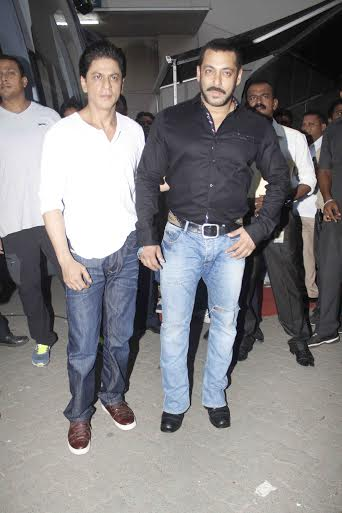 Shah Rukh Khan and Salman at Mehboob Studio-32