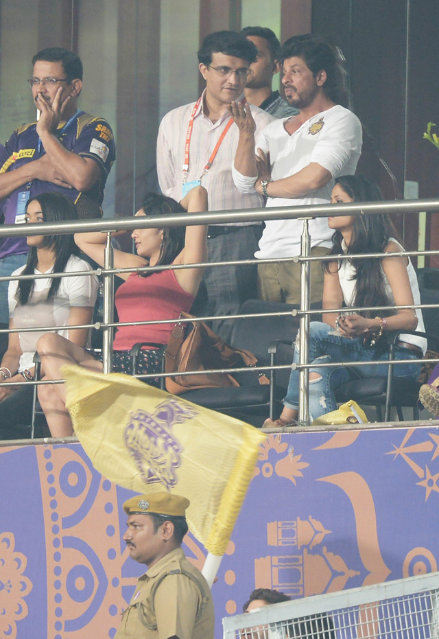 Shah Rukh Khan and Sourav Ganguly Spotted at Eden Gardens in Kolkata