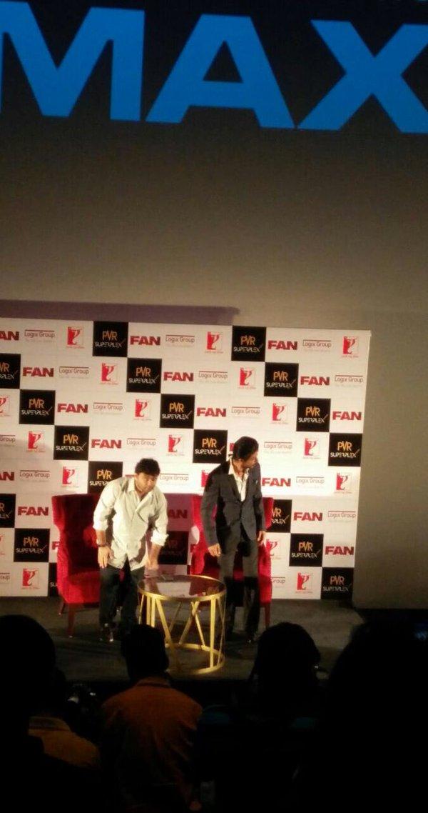 Shah Rukh Khan Promos FAN Movie in Delhi-01