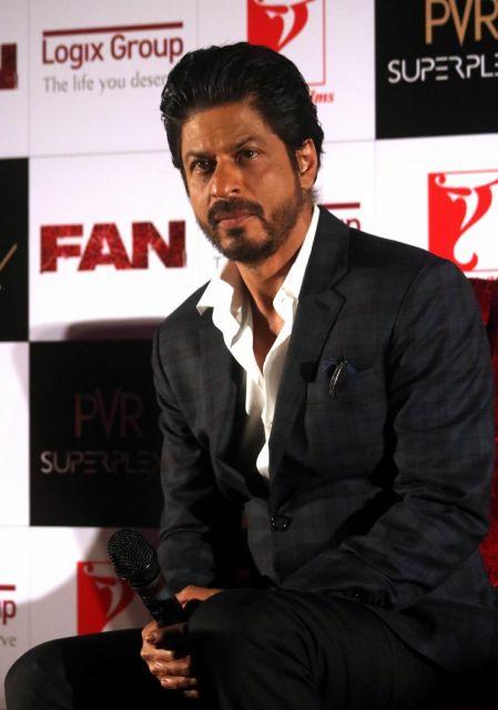 Shah Rukh Khan Promos FAN Movie in Delhi-11