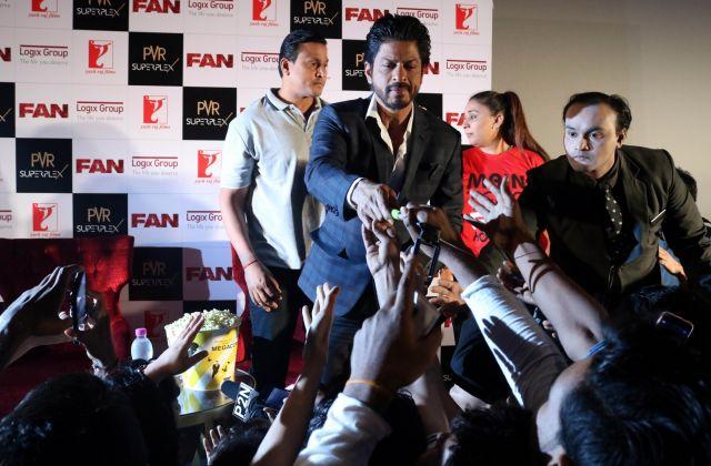 Shah Rukh Khan Promos FAN Movie in Delhi-14