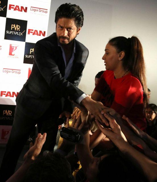 Shah Rukh Khan Promos FAN Movie in Delhi-19