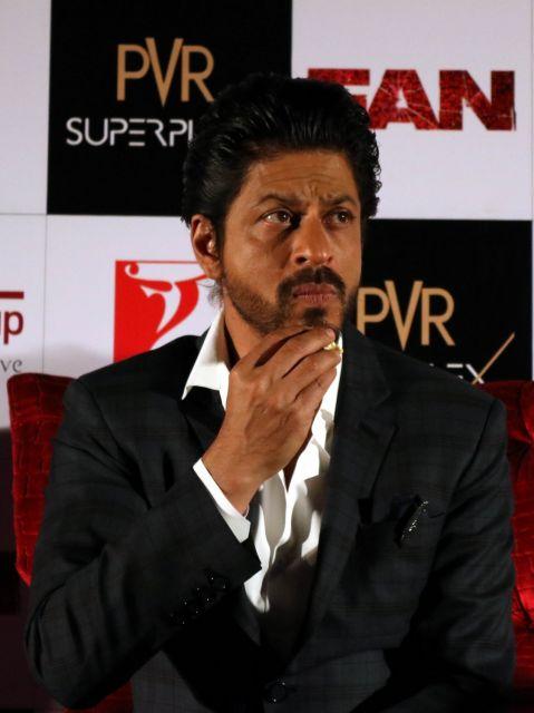 Shah Rukh Khan Promos FAN Movie in Delhi-23