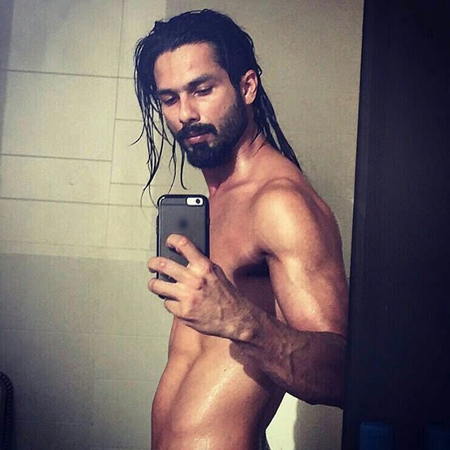 Shahid Kapoor New Selfie with Long Hair