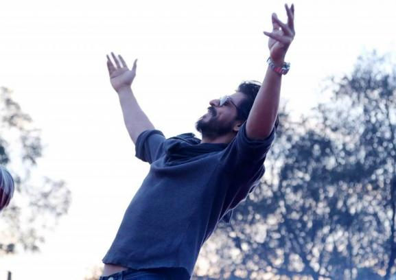 Shahrukh Khan Promotes Film Fan at Hans Raj College in Delhi-25