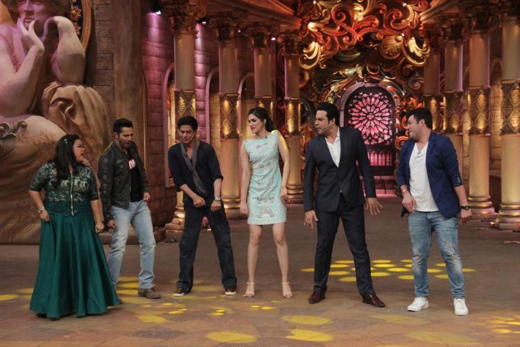 Shahrukh Khan on the set of Comedy Nights Bachao-06