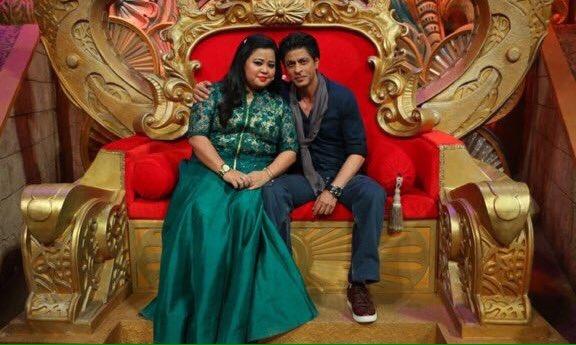 Shahrukh Khan on the set of Comedy Nights Bachao-11