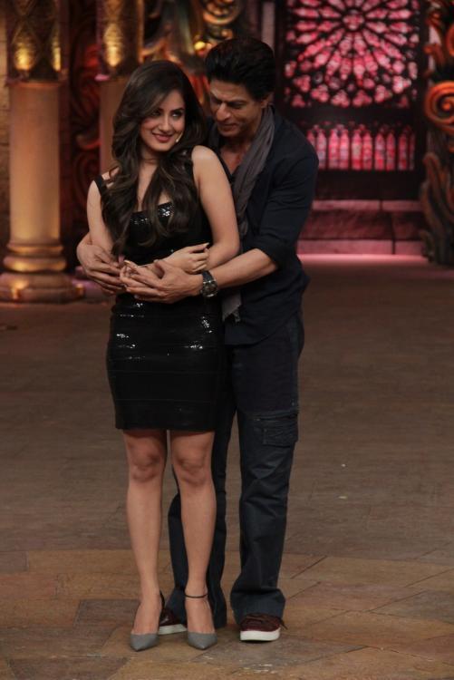 Shahrukh Khan on the set of Comedy Nights Bachao-12