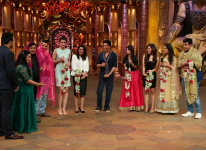 Shahrukh Khan on the set of Comedy Nights Bachao-22