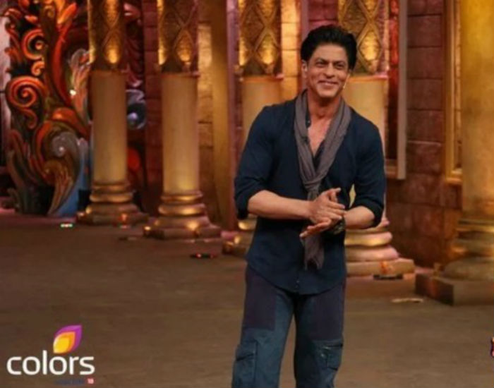 Shahrukh Khan on the set of Comedy Nights Bachao-23