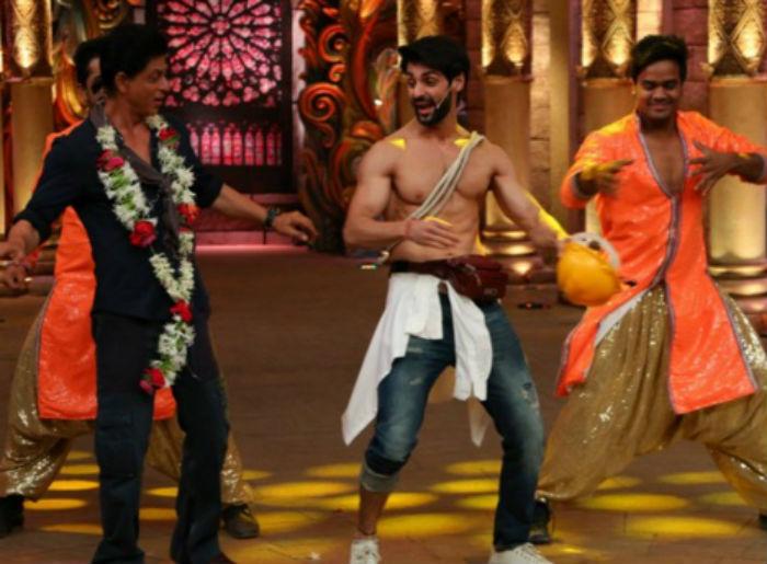 Shahrukh Khan on the set of Comedy Nights Bachao-24
