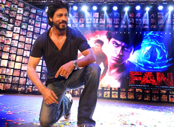 Shahrukh Khan Trailer Launch of film Fan-102