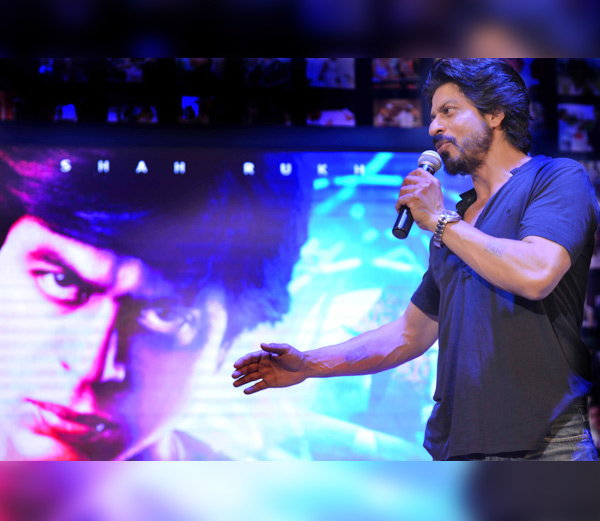 Shahrukh Khan Trailer Launch of film Fan-15