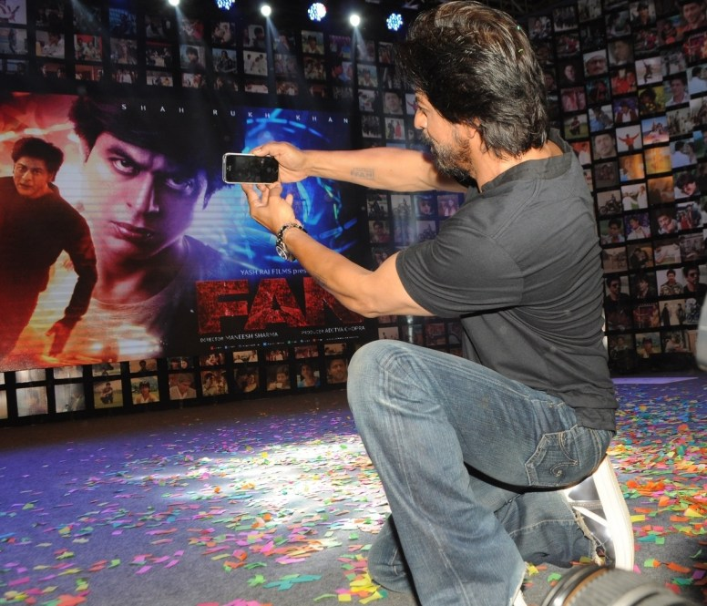 Shahrukh Khan Trailer Launch of film Fan-21