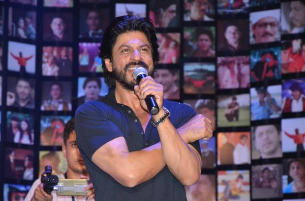 Shahrukh Khan Trailer Launch of film Fan-24