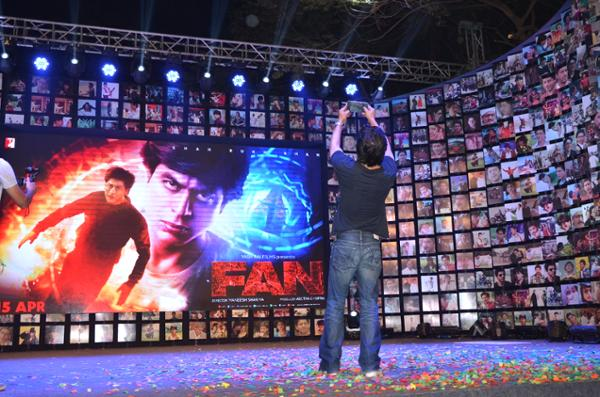 Shahrukh Khan Trailer Launch of film Fan-28