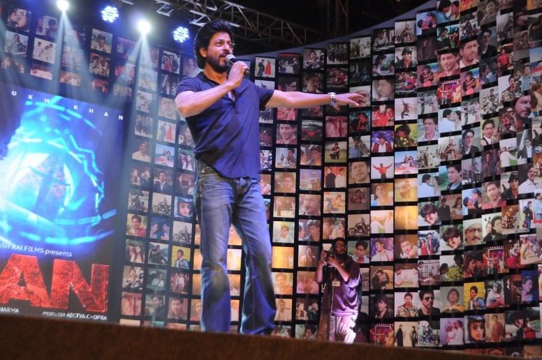 Shahrukh Khan Trailer Launch of film Fan-37