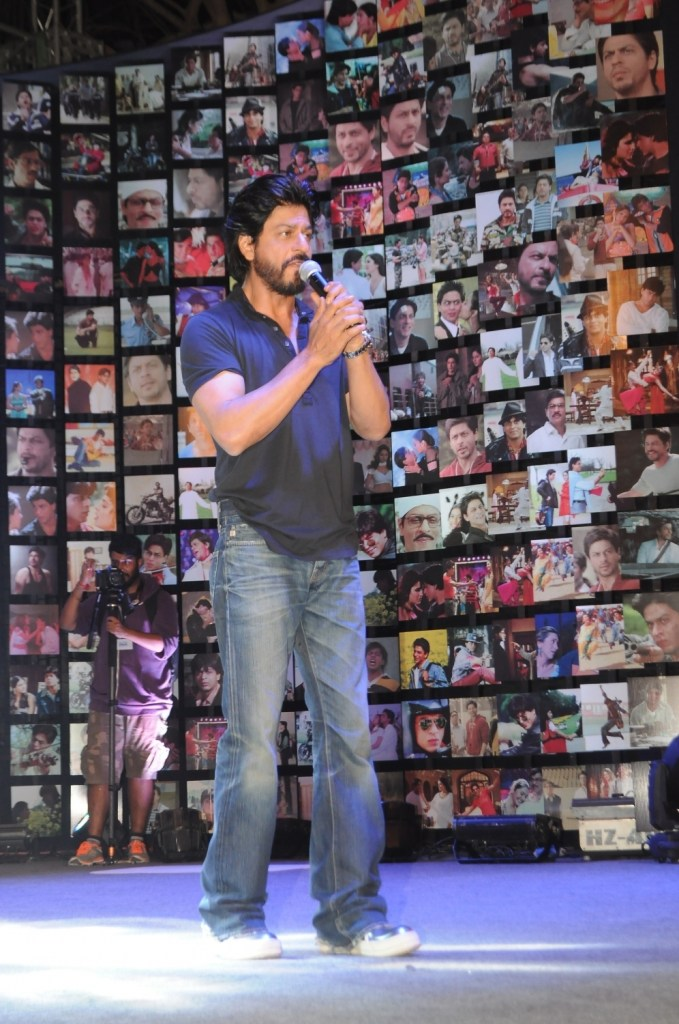 Shahrukh Khan Trailer Launch of film Fan-39