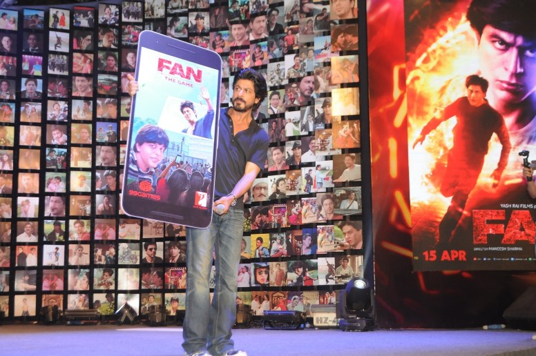 Shahrukh Khan Trailer Launch of film Fan-54