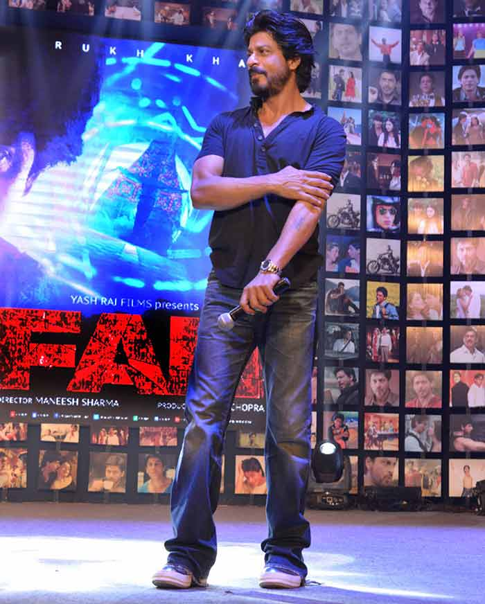 Shahrukh Khan Trailer Launch of film Fan-56