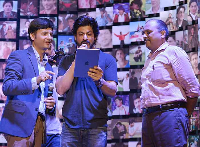 Shahrukh Khan Trailer Launch of film Fan-58