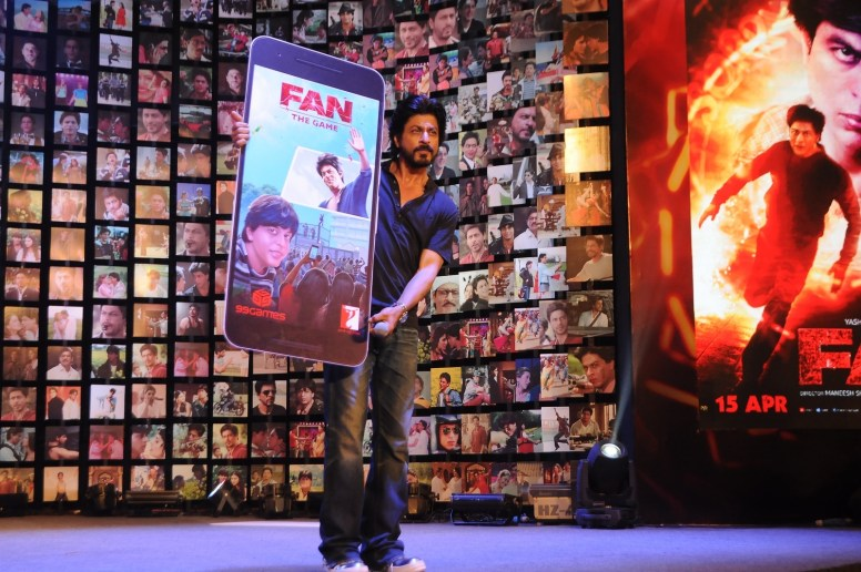 Shahrukh Khan Trailer Launch of film Fan-59