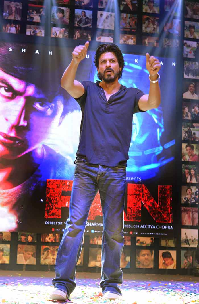 Shahrukh Khan Trailer Launch of film Fan-67