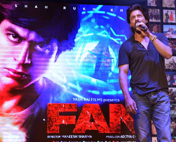 Shahrukh Khan Trailer Launch of film Fan-74