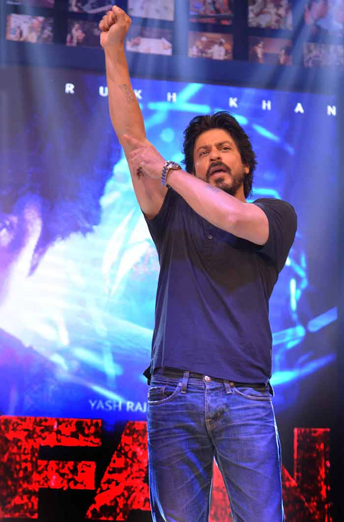 Shahrukh Khan Trailer Launch of film Fan-75