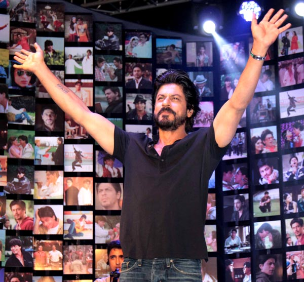 Shahrukh Khan Trailer Launch of film Fan-98