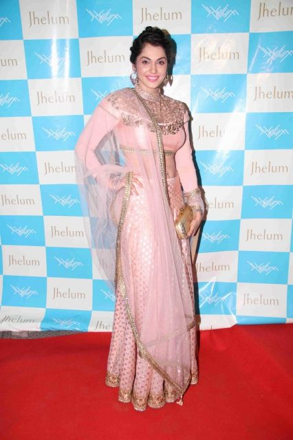 Shriya Saran and Isha Koppikar at Jhelum Store Launch in Mumbai