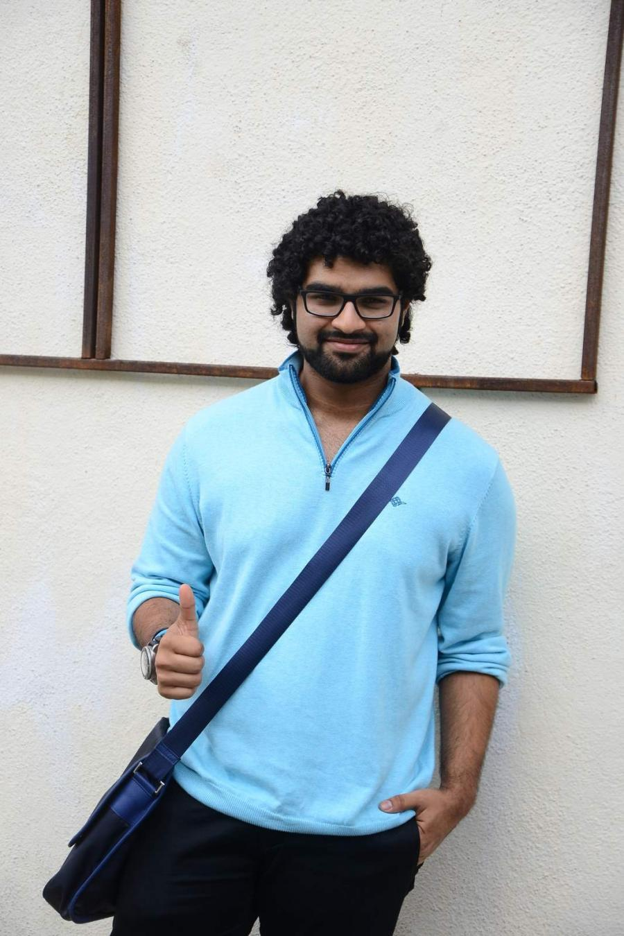 Siddharth Mahadevan New Photo in Blue T-Shirt