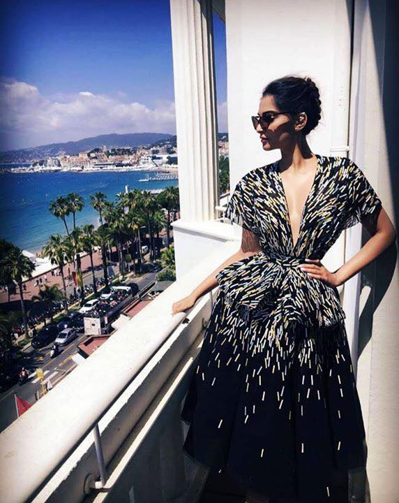 Sonam Kapoor Looks Stunning in Black N White Dress at Cannes 2016
