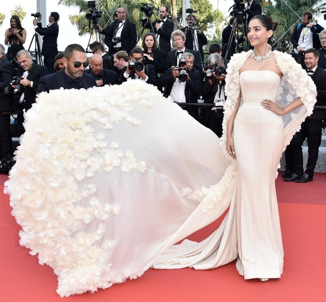 Sonam kapoor ready to walk the red carpet on Day 2 at Cannes